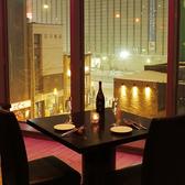 大人の雰囲気で人気の窓際テーブルシート!ゆったりとお過ごし下さいませ!