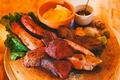 料理メニュー写真NBY塊肉4種盛り合わせ