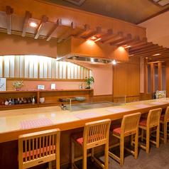 上質なお肉と上品な空間。落ち着いたカウンター席でお食事をお愉しみいただけます。