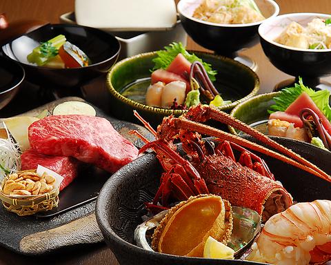 厳選された新鮮な魚やお肉、季節の野菜などを自慢の鉄板焼でお楽しみ下さい