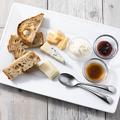 料理メニュー写真4種のチーズ 盛り合わせ