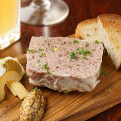 ホロホロ鳥と豚肉のパテ