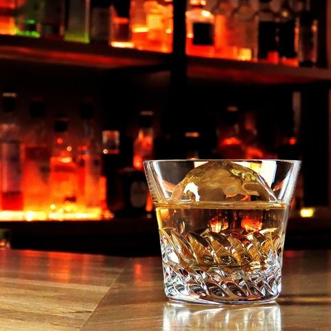 ウイスキー、カクテル、ワイン・・・心地よい空間を愉しむ大人のひと時
