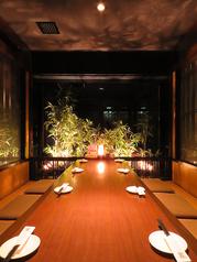 お食事会・接待にもご利用いただける落ち着きのある個室をご用意。