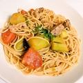 料理メニュー写真SPF豚バラ肉とナスとハラペーニョの辛いフレッシュトマトソース