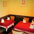 人目を気になさらずお食事ができる半個室タイプのお席です。2名様~6名様までご対応可能です。様々なシーンにご利用頂けます。