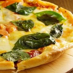料理メニュー写真有機生トマトのマルゲリータ