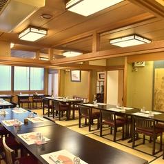 2階個室は最大60名様までご利用可能。