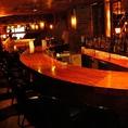 金、土、祝前日は朝5時まで営業しておりますので、お食事がお済みのお客様でも、バーカウンターでしっとりとお酒をお愉しみいただけます。