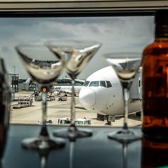 ラウンジ&バー グラン ブルー 伊丹空港店の写真