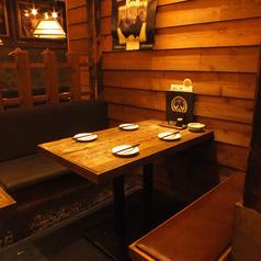 気軽にご利用いただけるテーブル席はお友達とのちょっとした飲み会にもおすすめ♪