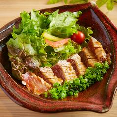料理メニュー写真マグロステーキ