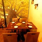 テーブルでもゆったり落ち着いてお食事できるのはイルモンテの魅力。