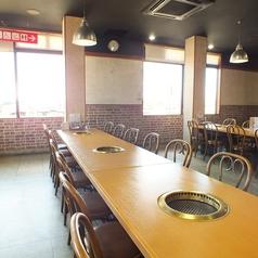 4名様テーブルのお席です。隣接しているため最大12名様まで可能です。