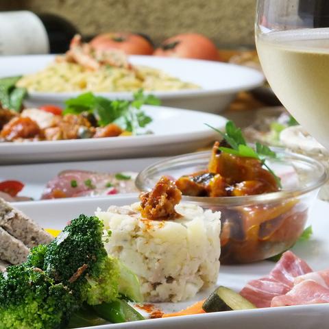 【Aプラン】カジュアルな記念日に♪鮮やかな前菜と選べるパスタ◆スパークリングワイン付◆