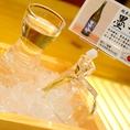 日本酒の冷(1合・2合) は、キンキンに冷やしたガラス製のとっくりとおちょこで♪