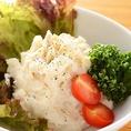 当店は鹿児島県霧島市の提携農園で育てられたこだわりの野菜を使用しております。野菜の旨みをお得にたくさん味わえる『大串 いろいろ野菜』はオススメです。