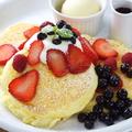 料理メニュー写真Mix Berry ミックスベリー (ミックスベリー、ベリーソース、フレッシュクリーム、バニラアイス)