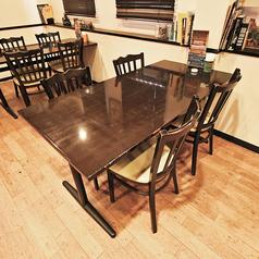 4名様でご利用できるテーブル席です