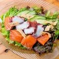 料理メニュー写真サーモンとタコのカルパッチョ!