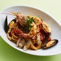 料理メニュー写真魚介と完熟トマトのペスカトーレ/天然エビのトマトクリーム