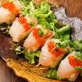 料理メニュー写真鯛の炙り寿司サラダ仕立て