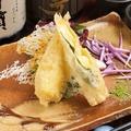 料理メニュー写真カマンベールチーズの湯葉巻き天麩羅
