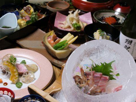 おまかせ料理 10品 8000円 (税抜) ※要予約