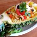 お料理にフルーツもたくさん使うタイ料理は色鮮やかで見栄え抜群◎インスタ映えすること間違いなし!