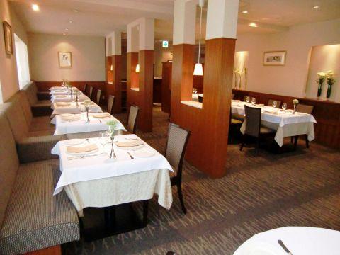 神戸屈指の人気フランス料理店。世界各国から様々な食材をご用意しております。