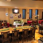 【日本唯一のブルガリア大使館公認レストラン】1984年創業の老舗洋食店「ドンピエール」が手掛ける『ブルガリアンダイニング トロヤン』は、日本唯一のブルガリア大使館公認レストラン。ヨーグルトや新鮮野菜を使ったヘルシーな郷土料理や特産ワインにこだわります。