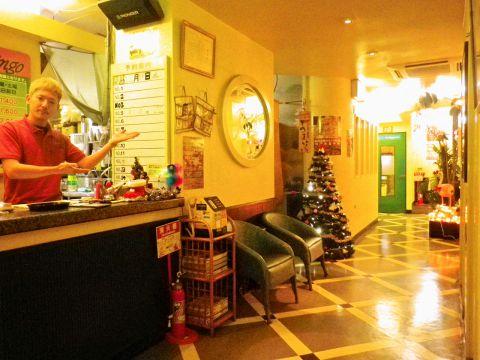 手作りの料理にこだわるアットホームなカラオケパーティーハウス。各種プランが豊富。