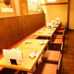 テーブル席は動かすことが可能ですので、大人数でのご利用にも対応できます。