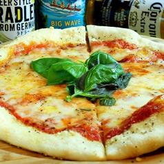 料理メニュー写真マルゲリータ (Pizza/Coca )