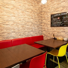 【半個室】プライベート空間でゆっくりお食事いただけます。