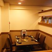 テーブル席は全て半個室席となっております。どんなシーンにもご利用いただけます。