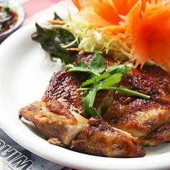 料理メニュー写真タイのローストチキン ★☆☆