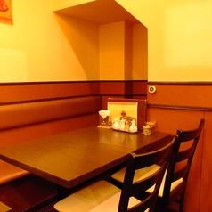 ゆっくりできそうな端のソファー席♪ランチのあとは飲茶セットが500円で楽しめます☆