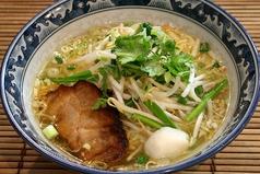 料理メニュー写真タイしょう油ラーメン(中華麺orタイビーフン麺)