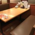 仕事帰りの飲み会・女子会などにおすすめのテーブル席! ※写真は系列店