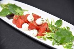 ピッコロモッツァレラとフレッシュトマトのサラダ