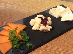 3種のチーズ盛り合わせ