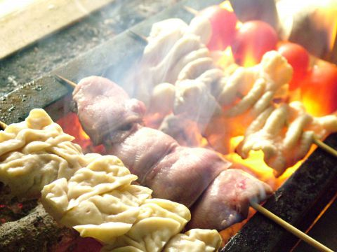 備長炭で焼く豚肉とホルモンは絶賛!!