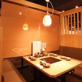 優しい照明の空間はカップルや女子会にもおすすめ◎!