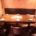 女子会やご宴会に最適なテーブル席。半個室のような作りのため、身内だけで盛り上がれます♪
