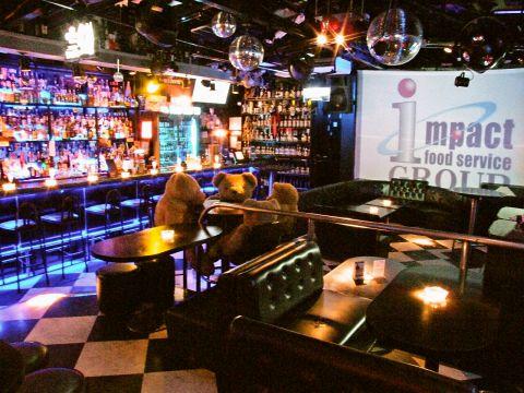 パーティーや楽しみたい夜にピッタリ☆ライトや大型スクリーンなど設備が豊富!