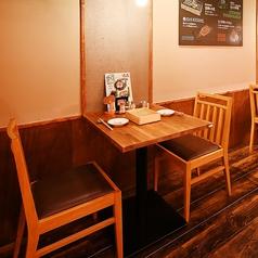 2名様専用のお席!2人だけの会話をお楽しみください!スタッフが揚げたての天ぷらをテーブル席までアツアツの状態でお届け致します★カップル、ご夫婦でのご予約にもぴったり♪