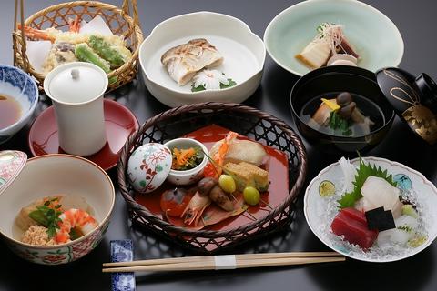 旬の会席  7000円〜12000円 旬の食材を使ったお料理を、ご堪能ください。