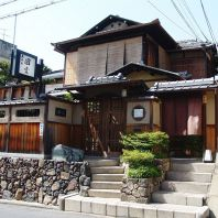 古都の静けさ漂う京都八坂