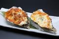 料理メニュー写真【殻付き牡蠣のチーズ焼き】